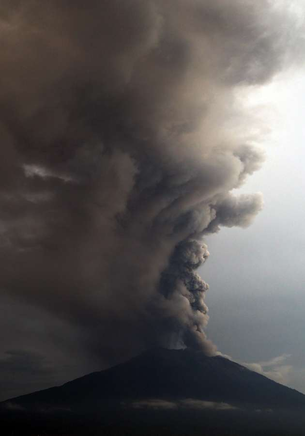 INDONESIA-BALI-MOUNT AGUNG ERUPTION by .