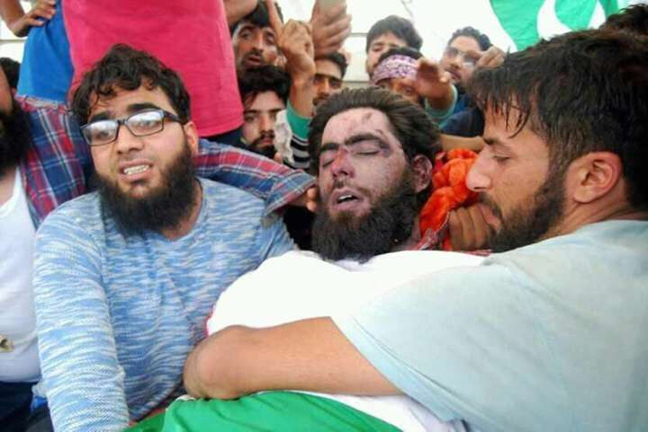 Agra: Kulgam: People in large numbers participate in the funeral of Lashker-e-Taiba (LeT) commander Junaid Mattoo killed in a gunfight with the security forces in Arwani village; in Kulgam district of Jammu and Kashmir on June 17, 2017. (Photo: IANS) by .