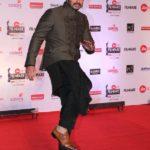 "Mumbai: Actor Arjun Kapoor at the red carpet of ""63rd Jio Filmfare Awards"" in Mumbai on Jan 20, 2018.(Photo: IANS) by ."