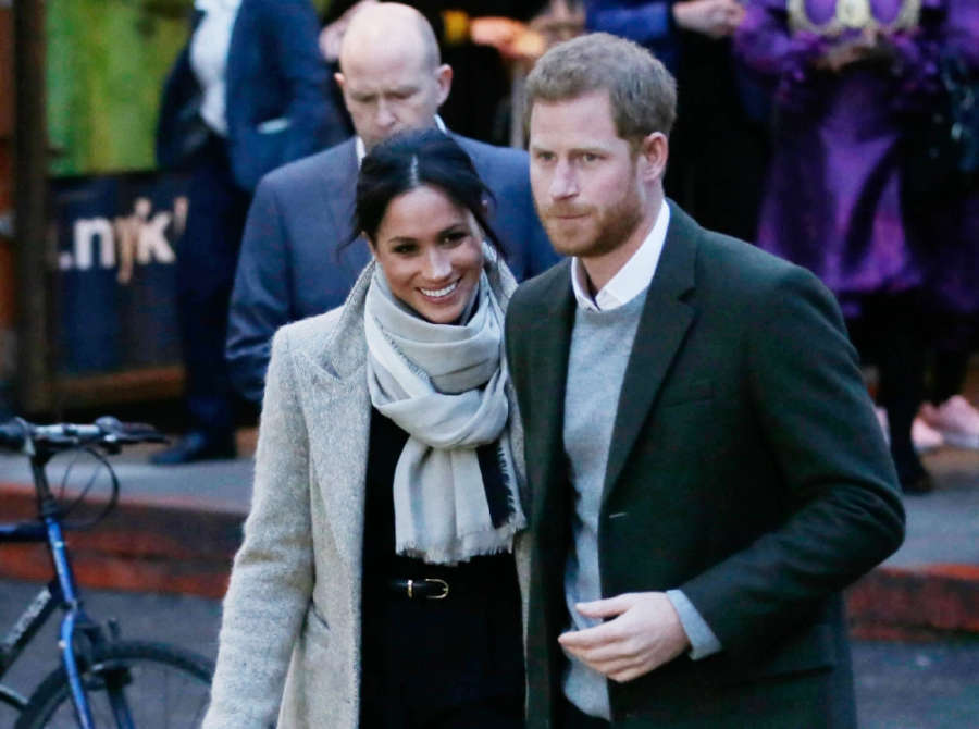 LONDON, Jan. 9, 2018 (Xinhua) -- Prince Harry and Meghan Markle leave after a visit to Reprezent Radio at Pop Brixton in London, Britain, on Jan. 9, 2018. Prince Harry and Meghan Markle are to marry in a ceremony at Windsor castle on May 19. (Xinhua/Tim I by Xinhua.