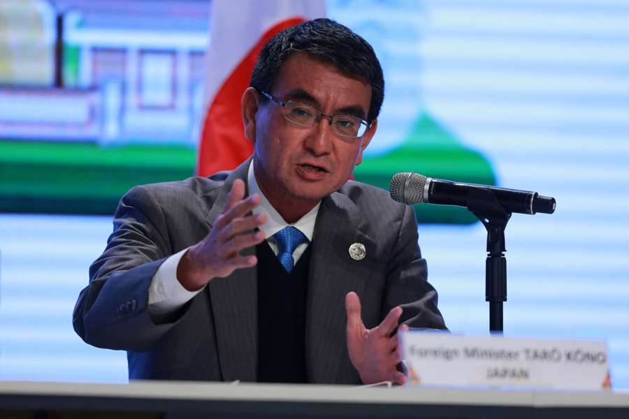 MANILA, Aug. 7, 2017 (Xinhua) -- Japan Foreign Minister Taro Kono gestures during a press conference on the sidelines of a series of ASEAN foreign ministers' meeting in Manila, the Philippines, Aug. 7, 2017. (Xinhua/Rouelle Umali/IANS) by .