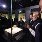 Wuhan: Prime Minister Narendra Modi and Chinese President Xi Jinping visit Hubei Museum in Wuhan on April 27, 2018. (Photo: IANS/MEA) by .