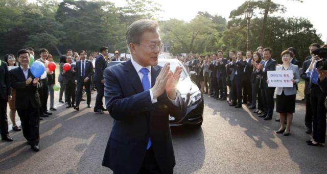 Panmunjom: South Korean President Moon Jae-in leaves his office Cheong Wa Dae in Seoul on April 27, 2018, as he heads to the truce village of Panmunjom for a historic summit with North Korean leader Kim Jong-un.(Yonhap/IANS) by .