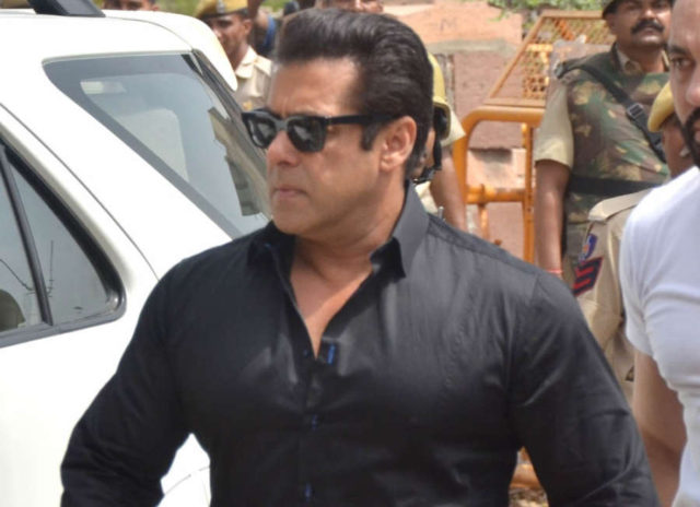 Jodhpur: Actor Salman Khan arrives to appear before a Jodhpur rural court in connection with the hearing in black buck poaching case, on April 5, 2018. The actor was found guilty on Thursday in the 1998 black buck poaching case while the other four accuse by RJ_MS.