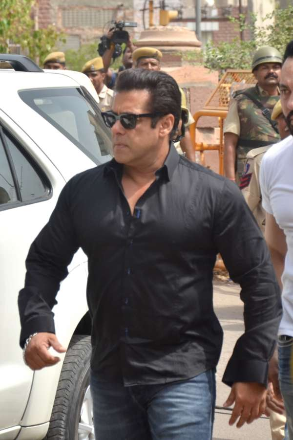 Jodhpur: Actor Salman Khan arrives to appear before a Jodhpur rural court in connection with the hearing in black buck poaching case, on April 5, 2018. The actor was found guilty on Thursday in the 1998 black buck poaching case while the other four accused actors -- Sonali Bendre, Saif Ali Khan, Tabu and Neelam -- were acquitted of all charges. (Photo: IANS) by .
