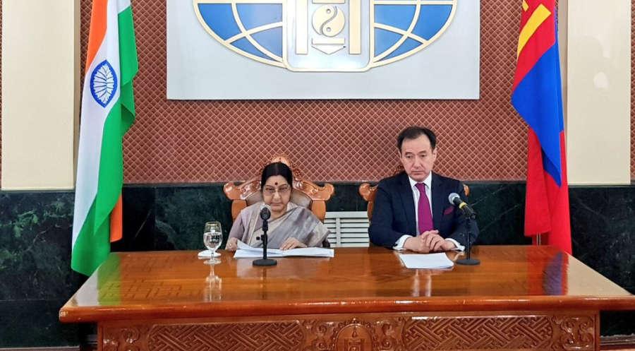 Ulaanbaatar (Mongolia): External Affairs Minister Sushma Swaraj and Foreign Minister of Mongolia Damdin Tsogtbaatar addresses a press conference in Ulaanbaatar, Mongolia on April 25, 2018. (Photo: IANS/MEA) by IANS_MEA.