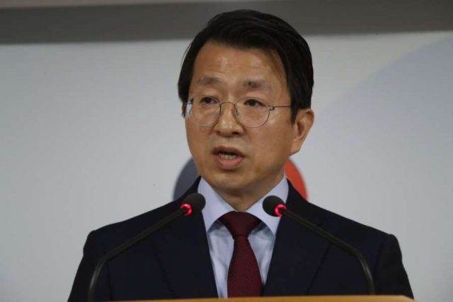Seoul: Baik Tae-hyun, the unification ministry spokesman, delivers a statement in Seoul on May 16, 2018, on North Korea suspending high-level dialogue that had been scheduled for the same day. The two Koreas were set to hold their first senior-level talks to follow up on their April 27 summit, but Pyongyang abruptly called it off, accusing South Korea and the United States of rehearsing for war against it by conducting their joint military drill Max Thunder. Baik said the North's decision does not conform with the summit agreements and called on Pyongyang to come to the talks(Yonhap/IANS) by .
