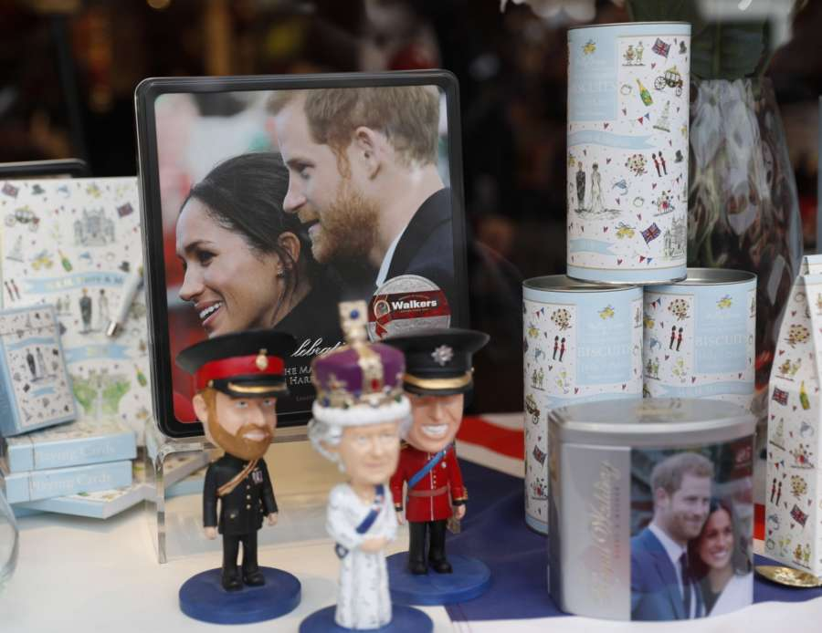 WINDSOR (BRITAIN), May 18, 2018 (Xinhua) -- Souvenirs of Britain's Prince Harry and U.S. actress Meghan Markle are on display in a shop window one day before the Royal Wedding in Windsor, Britain, on May 18, 2018. Britain's Prince Harry and U.S. actress Meghan Markle's wedding will be held on May 19 at St George's Chapel in Windsor Castle. (Xinhua/Han Ya/IANS) by .