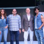 Mumbai: Actors Esha Gupta and Vidyut Jamwal walk the ramp for FBB Fashion Hub, in Mumbai on April 28, 2018. (Photo: IANS) by .
