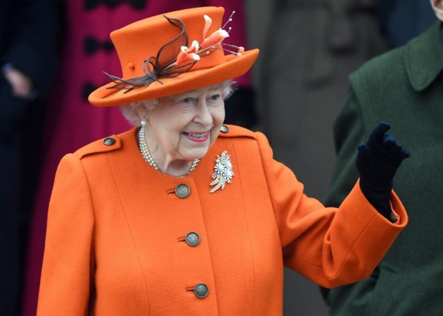 SANDRINGHAM (BRITAIN), Dec. 26, 2017 (Xinhua) -- Queen Elizabeth II attends Christmas Day Church service at Church of St Mary Magdalene in Sandringham, Britain, on Dec. 25, 2017. (Xinhua/IANS) by .