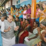 Ernakulam: Union Home Minister Rajnath Singh along with Kerala Chief Minister Pinarayi Vijayan and Union Culture and Tourism Minister Alphons Kannanthanam visit a flood relief camp in Ernakulam, Kerala on August 12, 2018. (Photo: IANS/PIB) by .