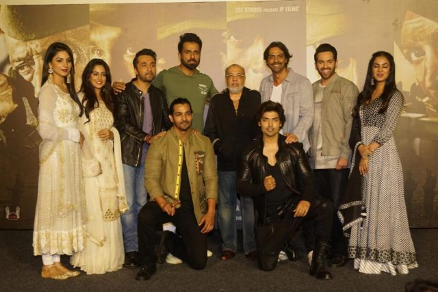 Mumbai: Filmmaker JP Dutta with actors Monica Gill, Dipika Kakar, Siddhanth Kapoor, Sonu Sood, Harshvardhan Rane, Arjun Rampal, Gurmeet Choudhary, Luv Sinha and Sonal Chauhan at the trailer launch of upcoming film