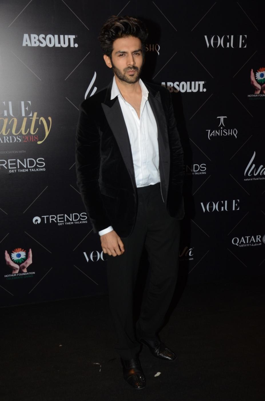 "Mumbai: Actor Kartik Aaryan at the red carpet of ""Vogue Beauty Awards"" in Mumbai on July 31, 2018.(Photo: IANS) by ."