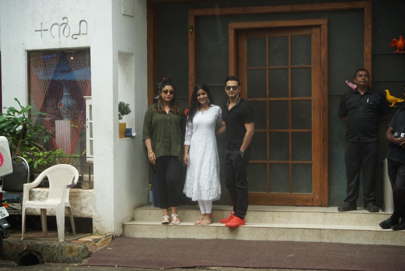 Mumbai: Actors Vatsal Sheth, Ishita Dutta and Tanushree Dutta seen at Mumbai's Juhu on Aug 5, 2018. (Photo: IANS) by .