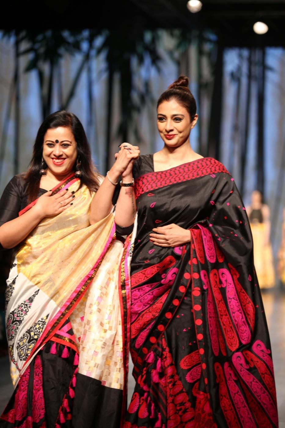 New Delhi: Actress Tabu showcase creations of designer Sanjukta during Lotus Make-Up India Fashion Week Spring Summer 2019 in New Delhi on Oct 12, 2018.(Photo: Amlan Paliwal/IANS) by .