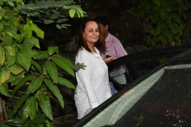 Mumbai: Actress Soni Razdan seen at Mumbai's Juhu on July 23, 2018.(Photo: IANS) by .