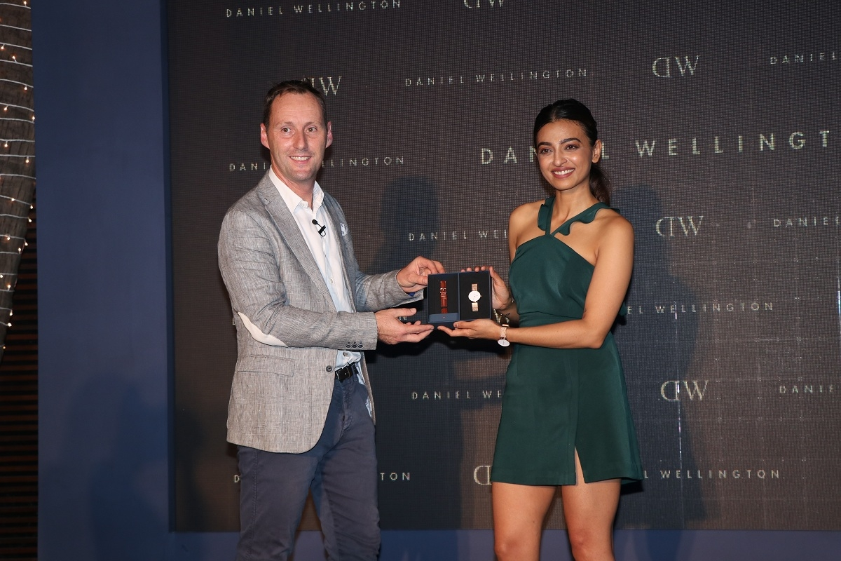 Radhika Apte and Daniel Wellington General Manager Sander Van Der Stroom unveiling the Diwali Box at the #DWali Celebration. by .