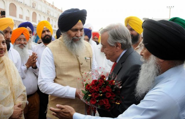 Amritsar: United Nations Secretary-General Antonio Guterres pays obeisance at the Golden Temple in Amritsar on Oct 3, 2018. (Photo: IANS) by .