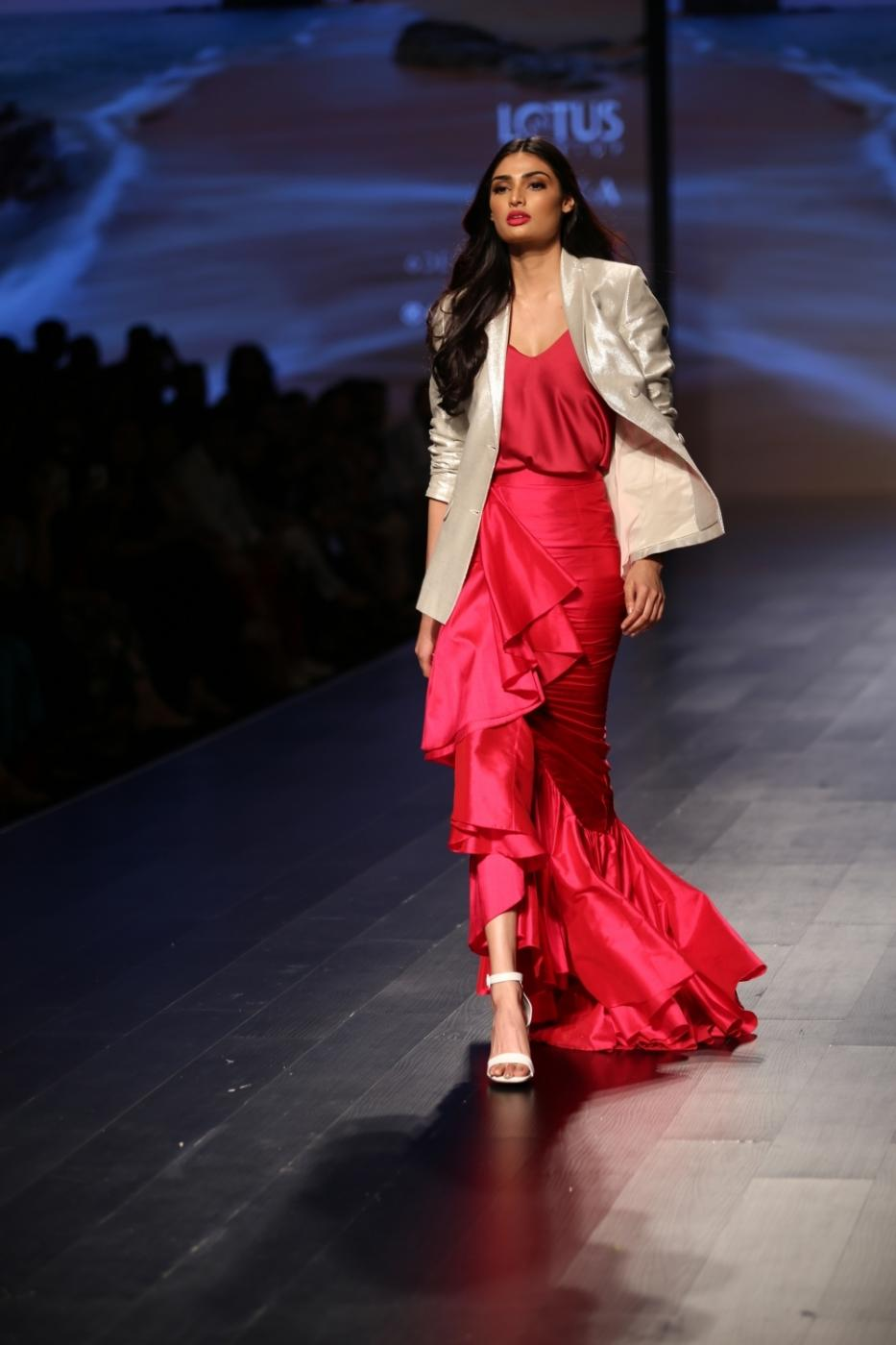 New Delhi: Actress Athiya Shetty showcase creations of designer Poshpride during Lotus Make-Up India Fashion Week Spring Summer 2019 in New Delhi on Oct 12, 2018.(Photo: Amlan Paliwal/IANS) by .