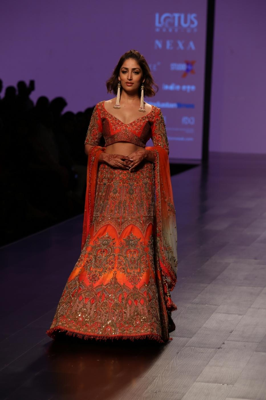 New Delhi: Actress Yami Gautam showcase creations of designer WNW during Lotus Make-Up India Fashion Week Spring Summer 2019 in New Delhi on Oct 12, 2018.(Photo: Amlan Paliwal/IANS) by .