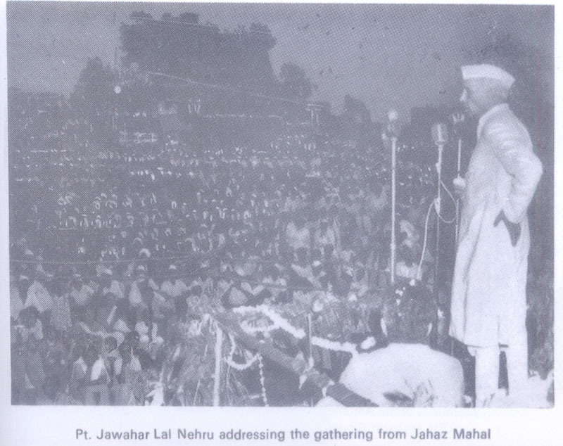 India's first Prime Minister Jawaharlal Nehru, who revived the festival in the early 60s, addressing members of both faiths. by .