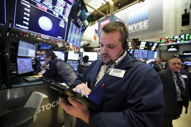 NEW YORK, Jan. 2, 2019 (Xinhua) -- Traders work at the New York Stock Exchange in New York, the United States, on Jan. 2, 2019. U.S. stocks ended slightly higher on Wednesday, starting a new year with a fluctuant trading day. The Dow Jones Industrial Average closed 18.78 points, or 0.08 percent, higher to 23,346.24. The S&P 500 edged 3.18 points, or 0.13 percent, higher to 2,510.03. The Nasdaq Composite Index rallied 30.66 points, or 0.46 percent, to 6,665.94. (Xinhua/Wang Ying/IANS) by .