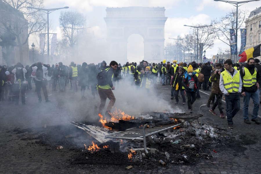 """FRANCE-PARIS-""""YELLOW VEST""""-PROTEST by Alexandre Karmen."""