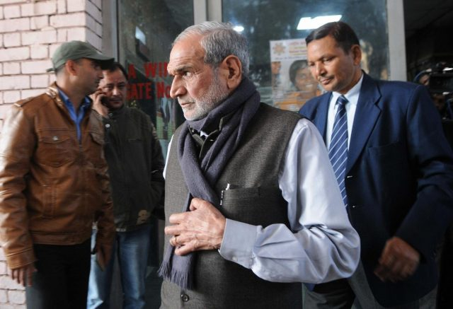 New Delhi: Senior Congress leader Sajjan Kumar comes out after appearing before Special Investigation Team (SIT) in New Delhi on Dec 21, 2016. (Photo: IANS) by .