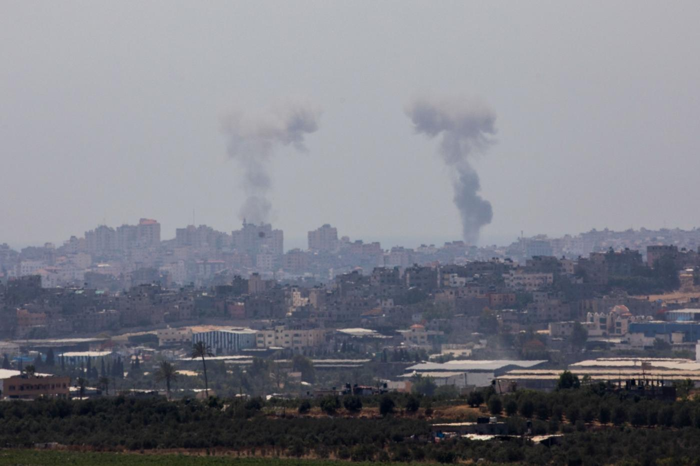 JERUSALEM, May 29, 2018 (Xinhua) -- Smoke rises from Gaza Strip on May 29, 2018. Palestinian militants fired dozens of mortars, projectiles and rockets into Israel throughout Tuesday before Israel launched a wide-scale airstrike on Gaza, as tensions rise following weeks of lethal Israeli fire at Gaza protestors. (Xinhua/JINI/IANS) by .