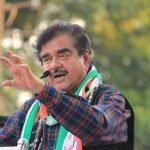 Vadodara: Congress leader Shatrughan Sinha addresses during an election campaign rally ahead of the 2019 Lok Sabha elections in Vadodara, Gujurat on April 20, 2019. (Photo: IANS) by .