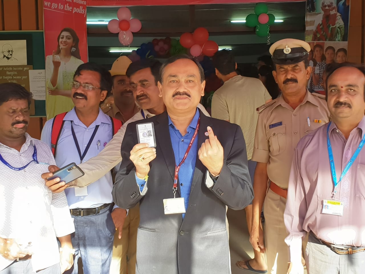 Bengaluru: Chief Electoral Officer of Karnataka, Sanjeev Kumar cast his vote for the Lok Sabha election in Bengaluru on April 18, 2019. (Photo: IANS) by .