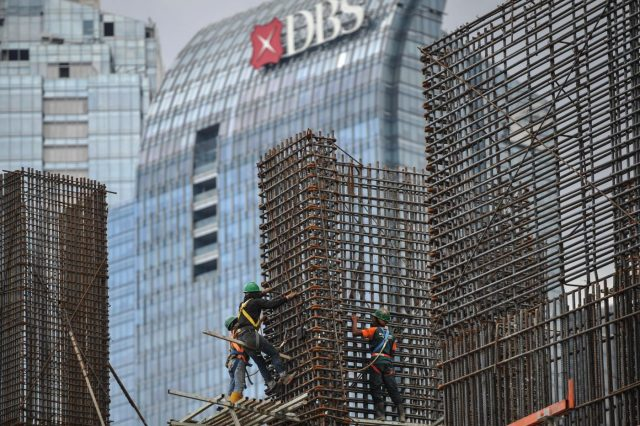 (WORLD SECTION) INDONESIA-JAKARTA-WORLD BANK-NEW ECONOMIC PROJECTION by .