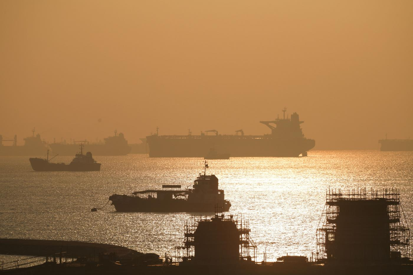 SINGAPORE-ECONOMY-NON OIL EXPORTS INCREASE by xinjiapo.