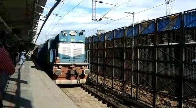 New Delhi: Samjhauta Express arrives in Delhi after Pakistan announced permanent suspension of the cross-border train service, on Aug 9, 2019. (Photo: IANS) by .