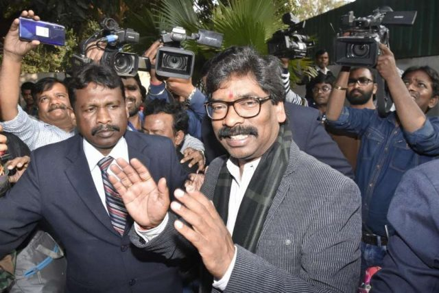 Ranchi: Jharkhand Mukti Morcha (JMM) Working President Hemant Soren arrives to chair executive party meeting, in Ranchi on Dec 24, 2019. (Photo: IANS) by .