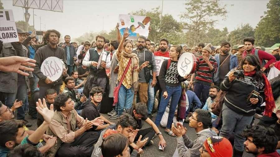 New Delhi: Jawaharlal Nehru University (JNU) students march from JNU campus to Rashtrapati Bhawan seeking to meet President over fee hike issue, in New Delhi on Dec 9, 2019. (Photo: IANS) by .