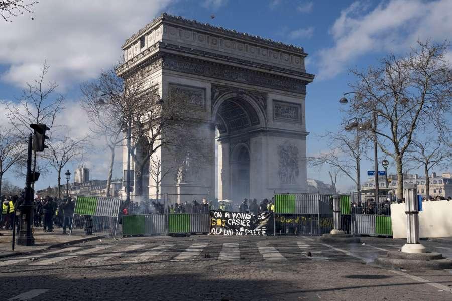 """FRANCE-PARIS-""""YELLOW VEST""""-PROTEST by ."""