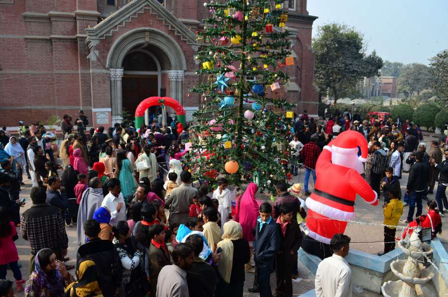 PAKISTAN-LAHORE-CHRISTMAS-MASS by .