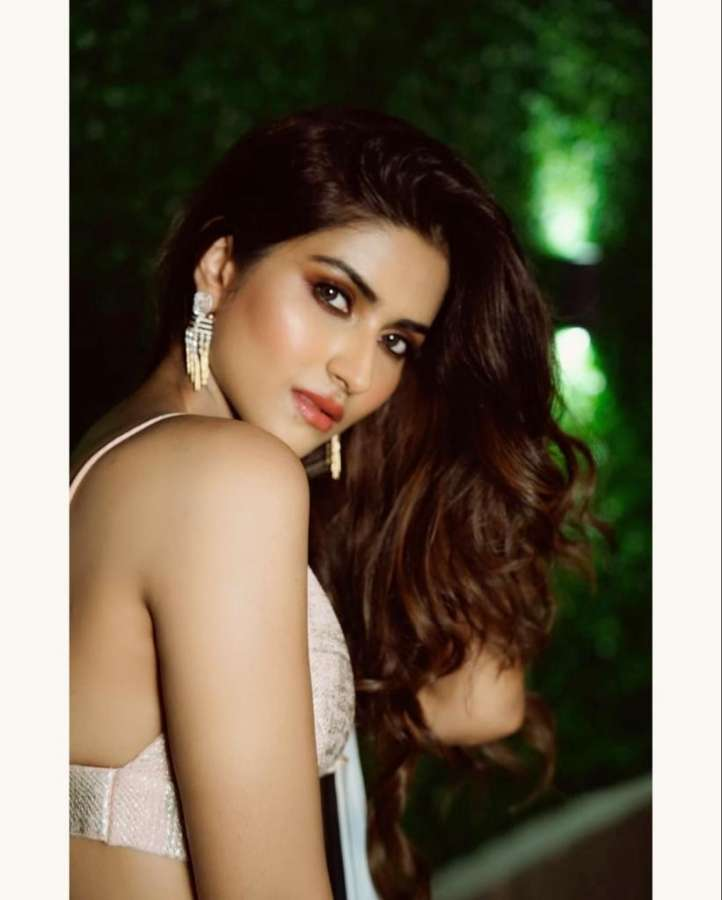 It would be an emotional moment for Pranutan Bahl if she gets an opportunity to work with her father and Bollywood actor Mohnish Bahl. by .