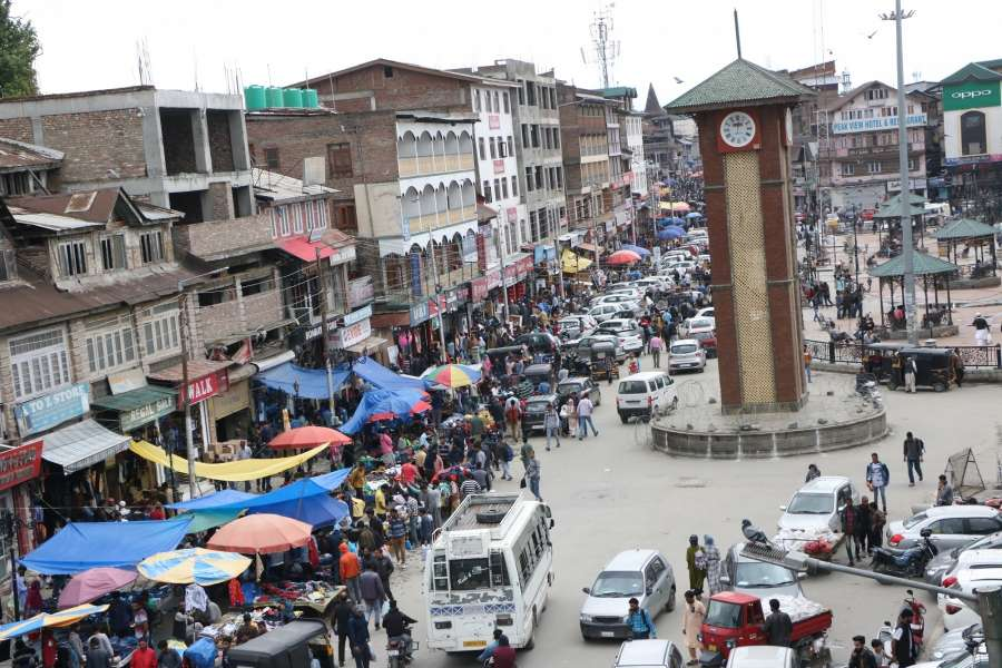 Srinagar: A view of a crowded market ahead of Eid-Ul-Fitr in Srinagar, on June 4, 2019. (Photo: IANS) by .