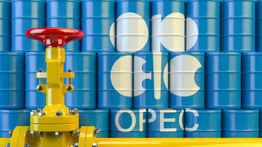 Saudi Arabia calls for urgent OPEC+ meeting to stabilize oil market