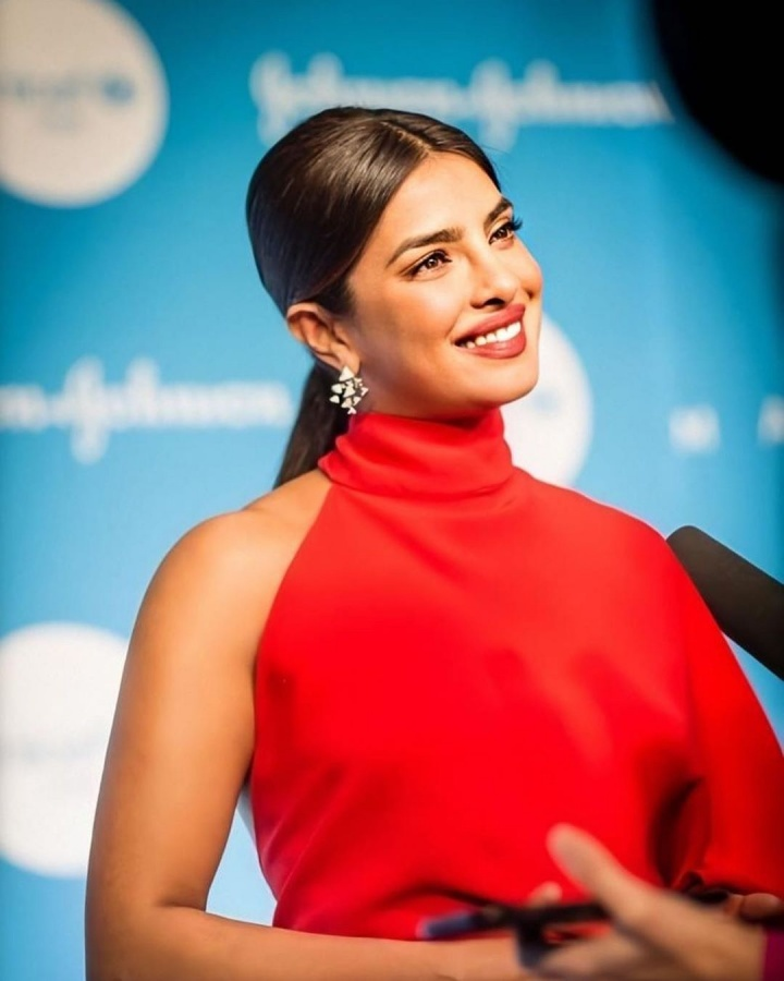 Actress Priyanka Chopra Jonas was honoured with the Danny Kaye Humanitarian Award for her philanthropic work as UNICEF Goodwill Ambassador for Child Rights. She was felicitated with the award at the 15th annual UNICEF Snowflake Ball. by .