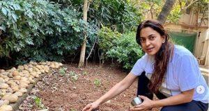Juhi Chawla invites landless farmers to farm at her Wada farmhouse. by .