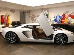 Now personalise your Lamborghini virtually. by .